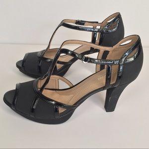 Naturalizer black T-Strap heels in size 9
